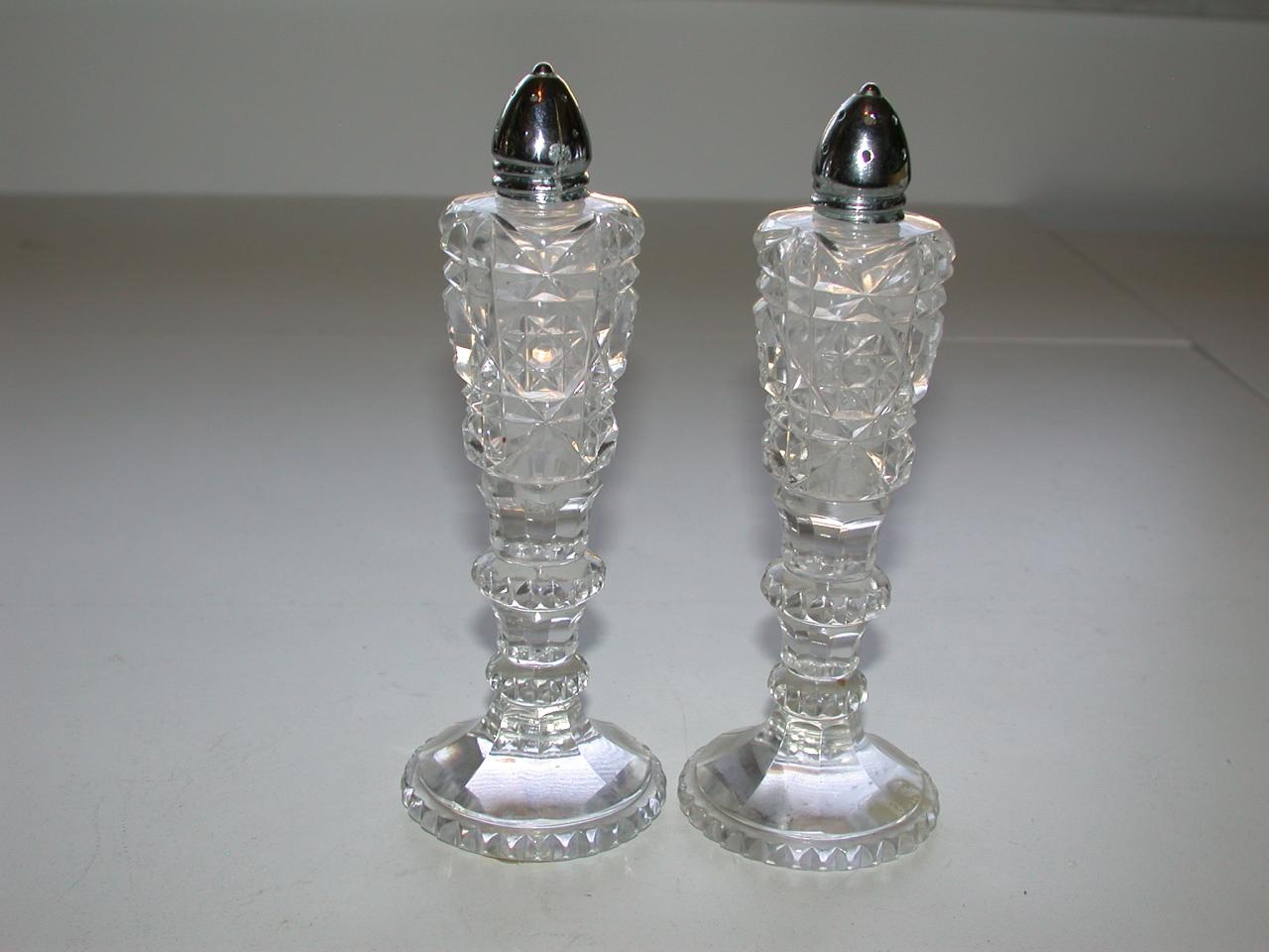 Simply Elegant Cut Crystal Glass Salt Pepper Shakers Set