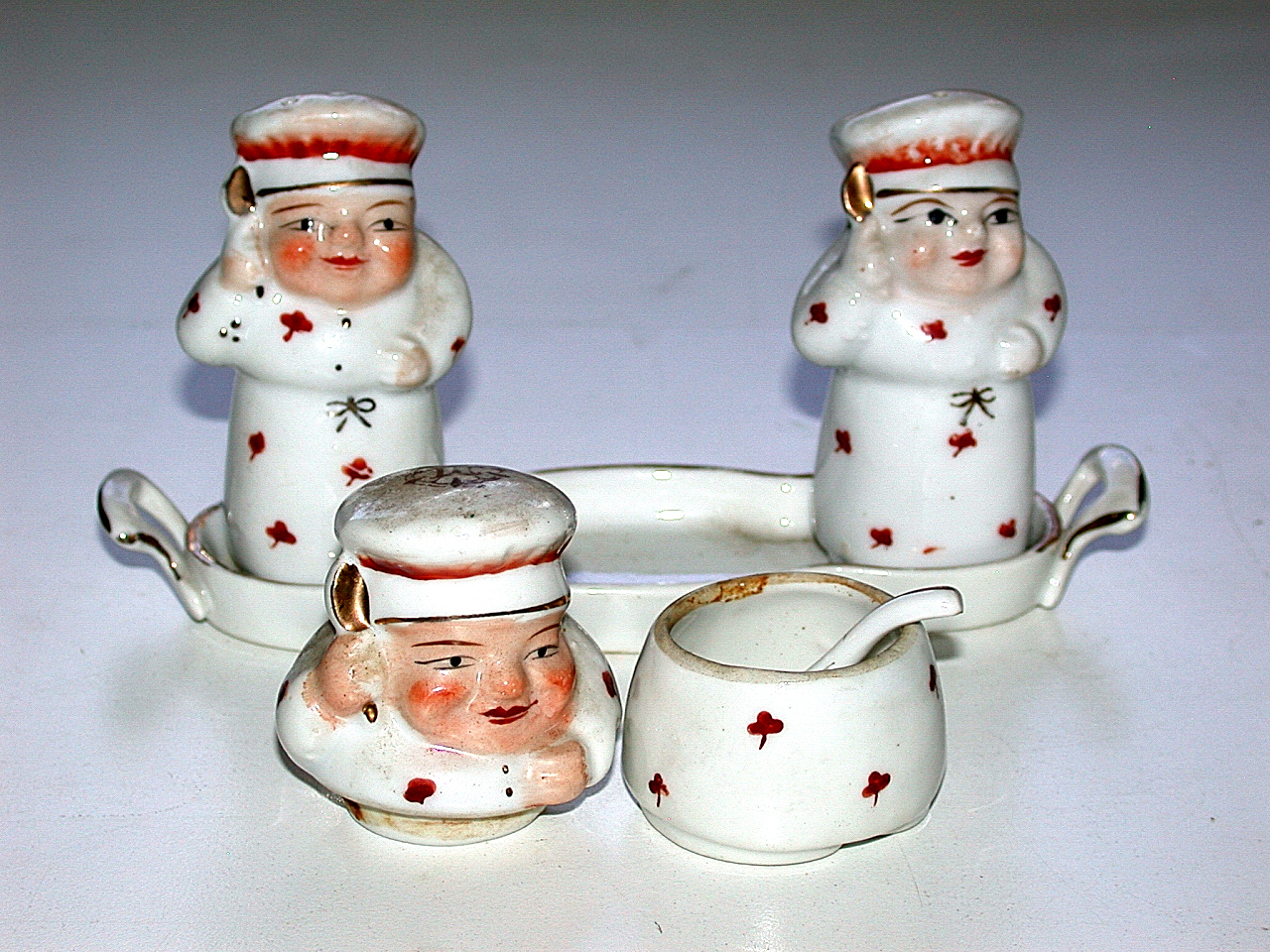 Beautiful Hand Painted Staffordshire 5pc Chef Salt